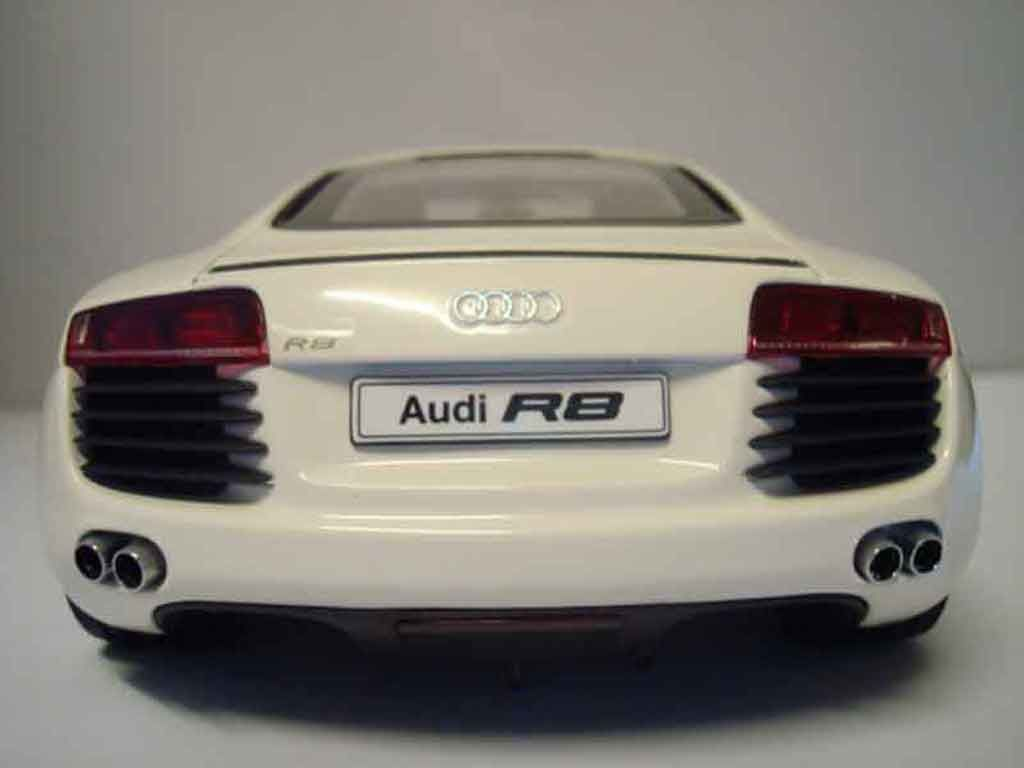 miniature audi r8 1 18 tuningcar es360. Black Bedroom Furniture Sets. Home Design Ideas