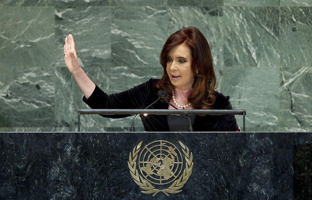 Cristina Kirchner réplique au FMI qui menace de donner un « carton rouge » à Buenos Aires