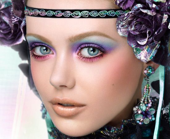 Anna-Sui-Kaleidoscope-of-Color-fall-2010-collection-makeup-
