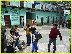 enfants_prison_bolivie.jpg