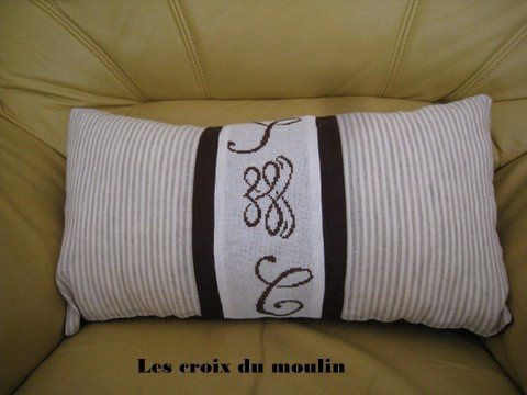 coussin initiales michelle (2)
