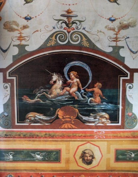 Motifs-pompeiens-putti-et-cheval-marin.jpg