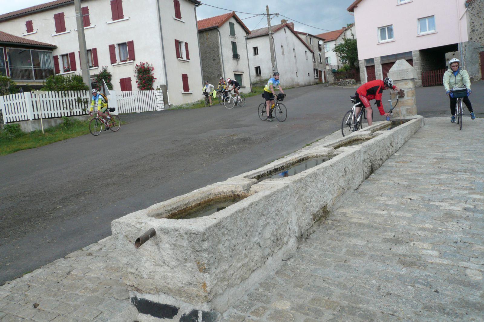 SEJOUR AU BORD DU LAC DE NAUSSAC  LANGOGNE (48 )