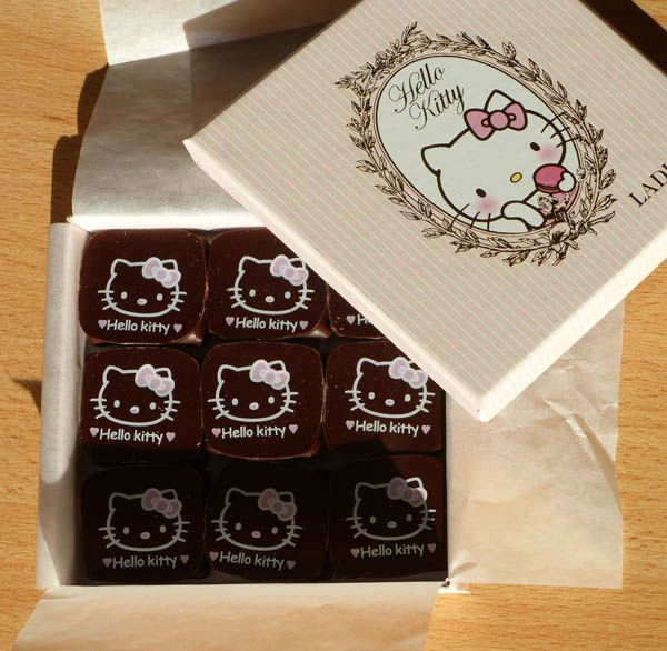 laduree-boite-chocolat-hello-kitty.jpg