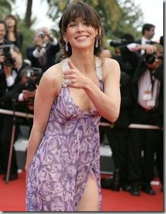French actress Sophie Marceau walks the red carpet of the Palais des Festivals for the screening of French director Nicole Garcia's movie 'Selon Charlie' in competition for the 59th Film Festival of Cannes on May 20, 2005. Photo by Hahn-Nebinger-Orban/ABACAPRESS.COM