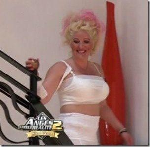 Loana se prendrait-elle pour Lady Gaga