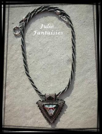 AC-28-Collier-Aswan-noir---black-diamond.JPG