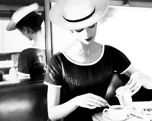 Carmen-having-tea--1950.jpg