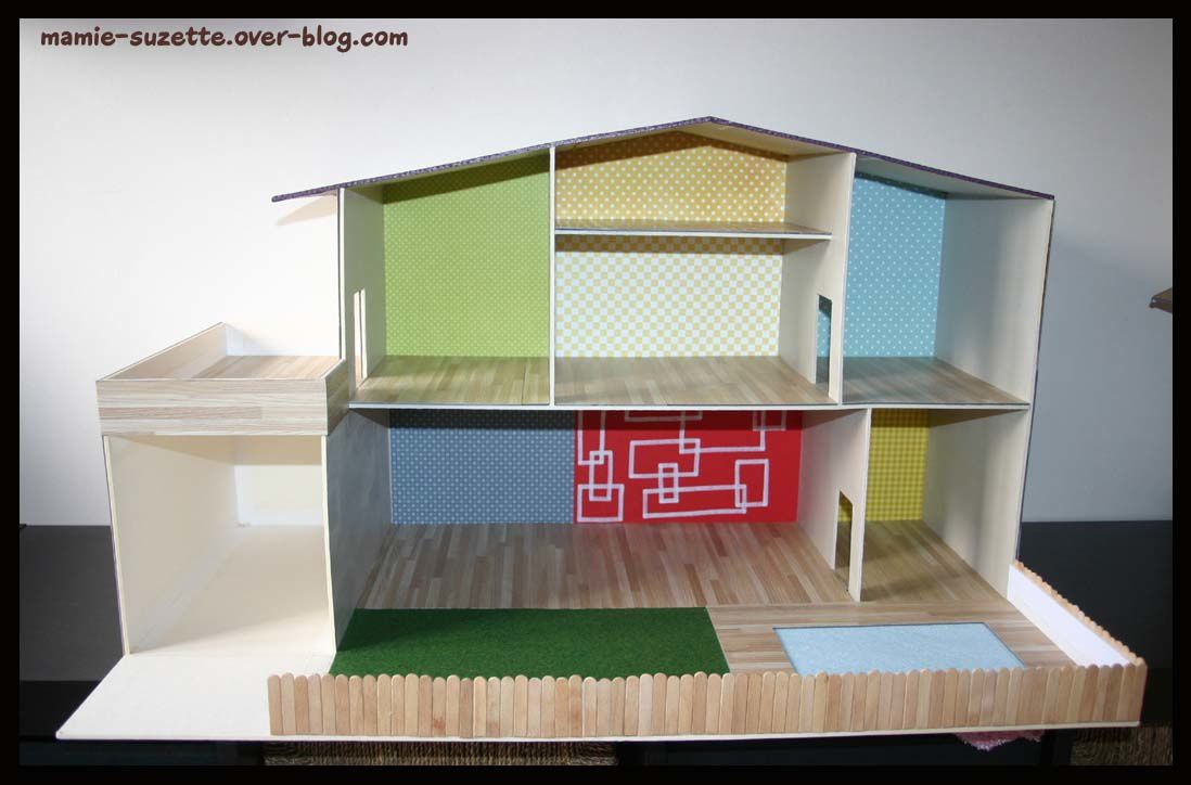 Maison playmobil fait main en cartonnage le blog de for Comment construire maison en bois