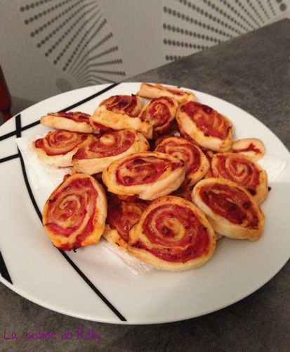 roules-feuilletes-bacon-tomate-parmesan.jpg