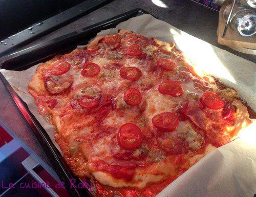 pizza-chorizo-jambon-gorgonzola-cuite.jpg