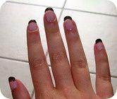 base ligne noir nail art