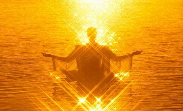 Je salue le soleil qui est en vous