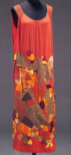 Dress-by-Natalia-Goncharova--1924.jpg