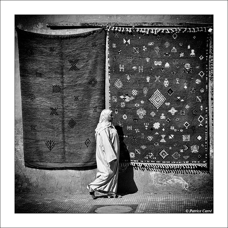 Marrakech peut aussi être photographié en noir et blanc / Marrakech can be photographed also in black and white