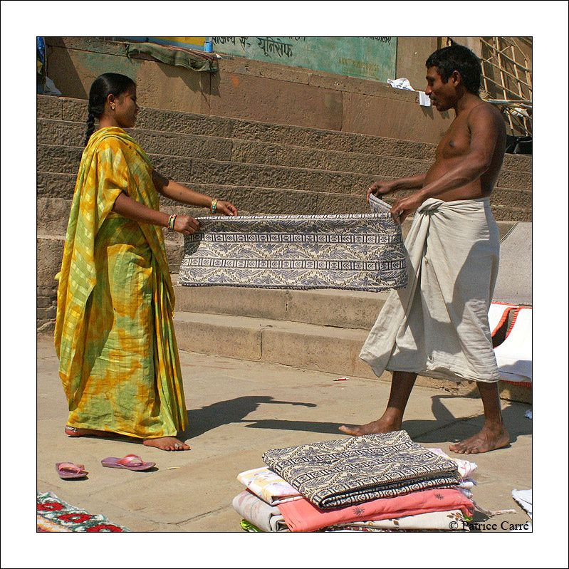 Scénes de vie de différents métiers à Bénarès en Inde / Differents trade and people of Varanasi in India