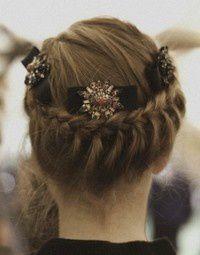 nail.make up.heni.bride