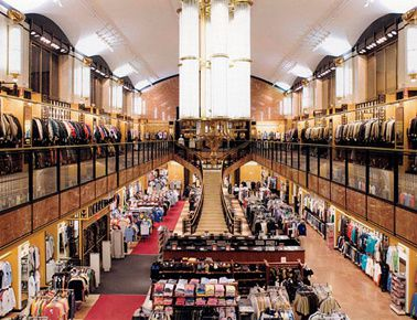 stores_manhattan-inside-1-.jpg