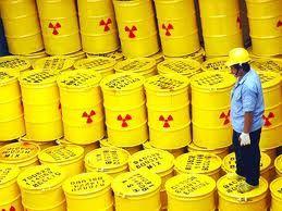 Bidoni per lo stoccaggio di rifiuti radioattivi