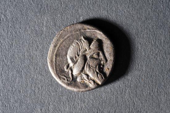denier TitusQuintus90BC INRAP