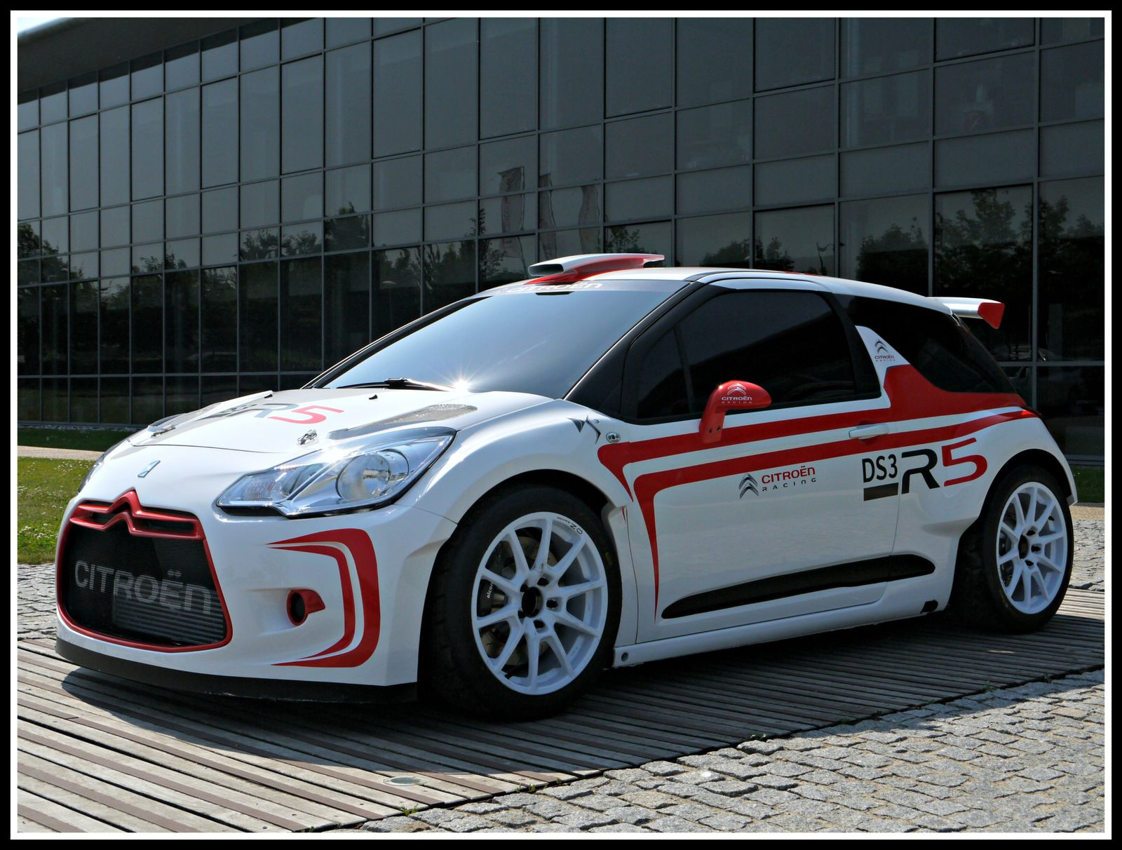 sebastien chardonnet 6 rallyes en wrc2 en 2014 avec la ds3 r5. Black Bedroom Furniture Sets. Home Design Ideas