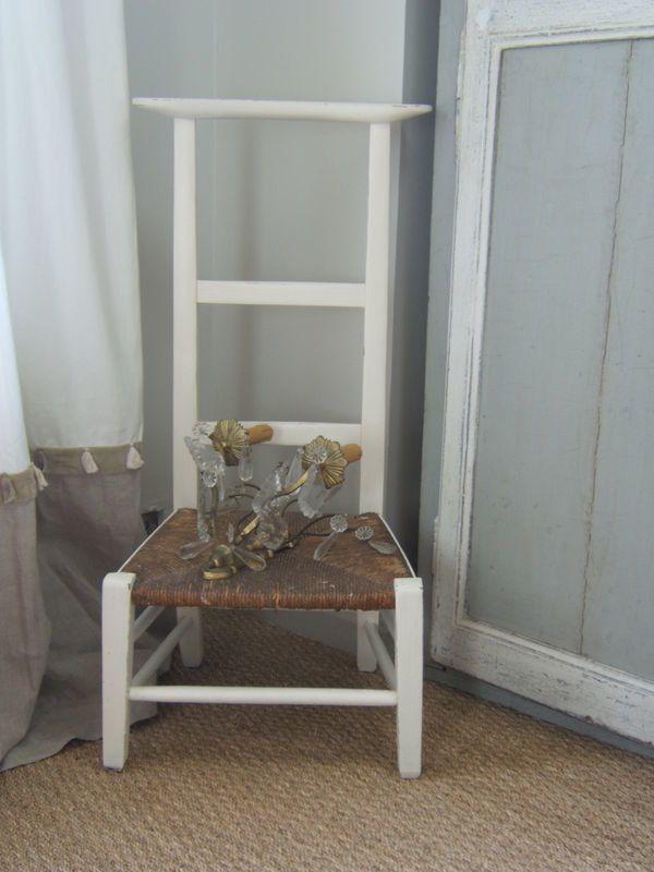 petite chaise prie dieu patine et gaufre blog d coration de charme. Black Bedroom Furniture Sets. Home Design Ideas