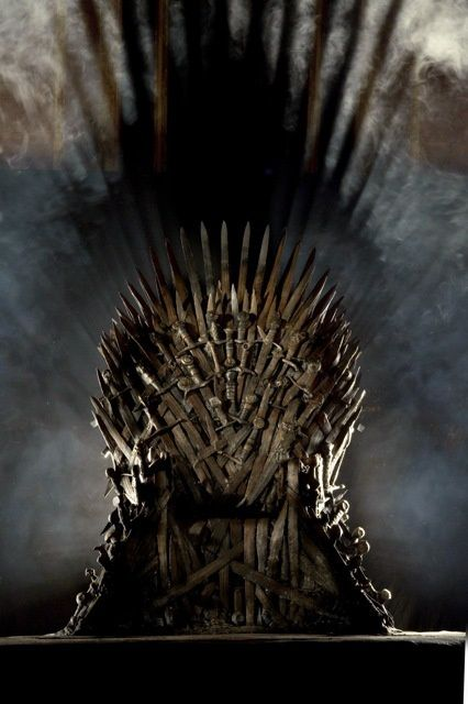 iron-throne-Game-of-Thrones-20110117-maxi.jpg