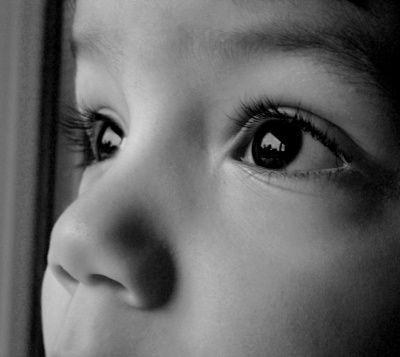 regard-enfant-meilleure-photo-noir-blanc_334107.jpg