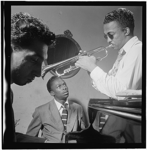586px-Miles_Davis-_Howard_McGhee-_September_1947_-Gottlieb_.jpg
