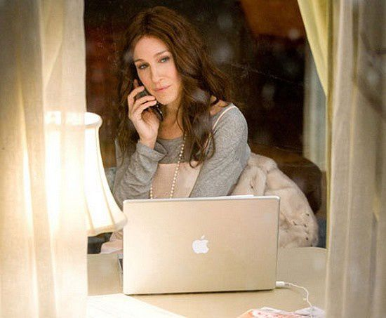 carrie-bradshaw-writing.jpg