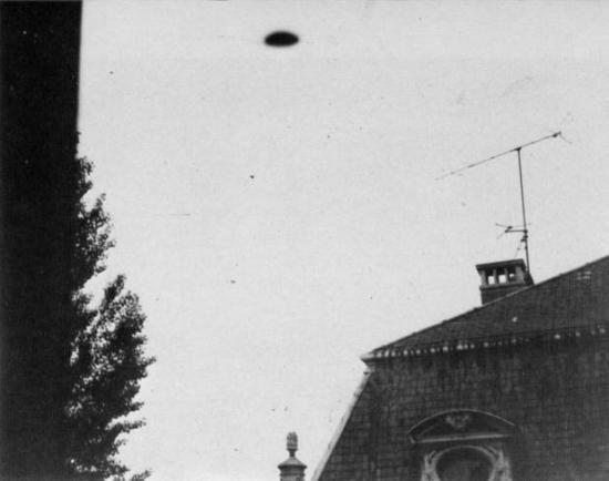 UFO-Annunakia-Nancy--Est-de-la-France---26-Mai-1975.jpg