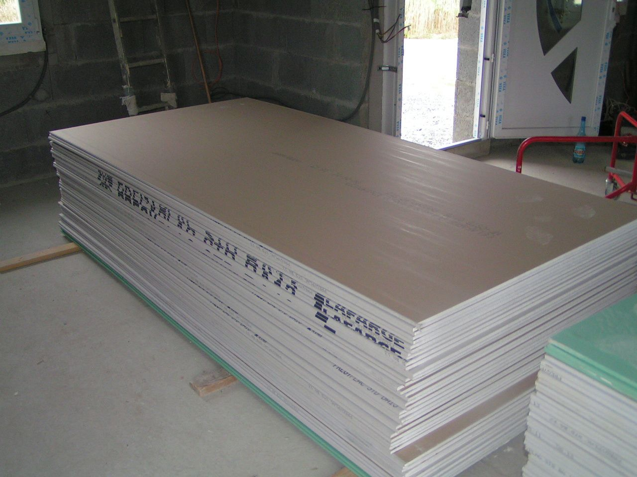 08 07 2011 placo plafond raillage et isolation des for Plaque pour plafond a coller