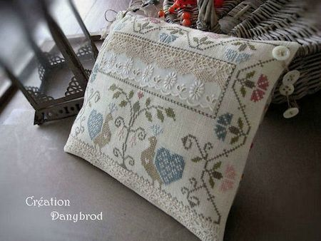 coussin-aux-paons-photo.jpg