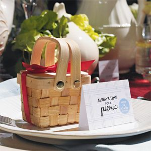 Wood-Picnic-Basket-Favor.jpg