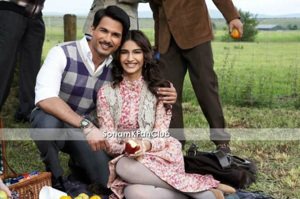 shahid-and-sonam-kapoor-on-mausam-set.jpg