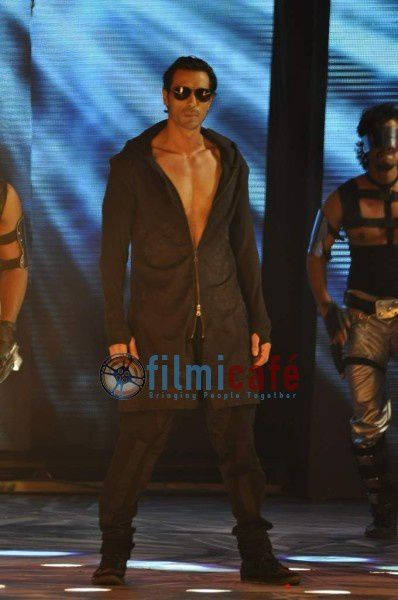 ra.one-music-launch8.JPG