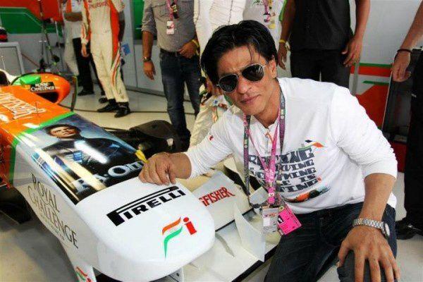 Shahrukh-Khan-at-Formule-1-Indian-Grand-Prix-9.jpg