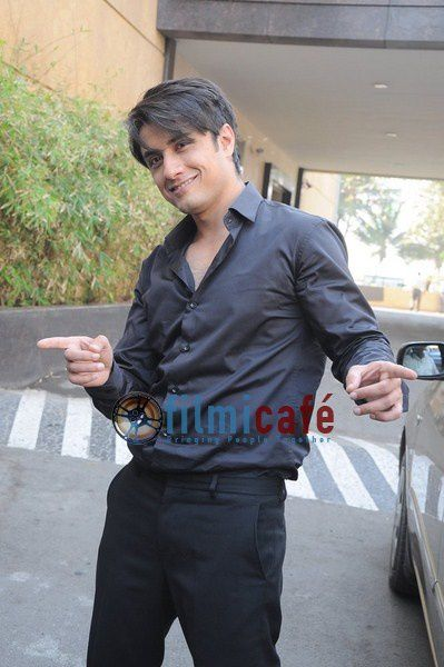 Ali-Zafar-Paints-Aditi-Rao-for-London-Paris-New-York-Promot.JPG