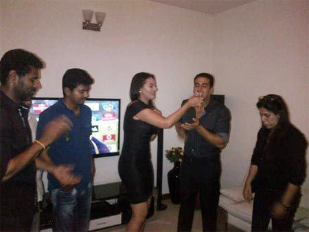 Shah-Rukh-Khan-spotted-celebrating-with-Prabudeva--copie-1.jpg