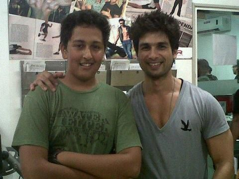 Shahid-Kapoor-at-a-gym.jpg