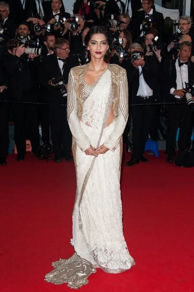 Sonam-Kapoor-at-The-Great-Gatsby-Premiere-at-Canne-copie-7.jpg