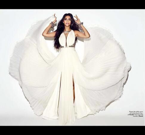 Sonam-KApoor-on-cover-of-vogue-india-june-2013-6.jpg