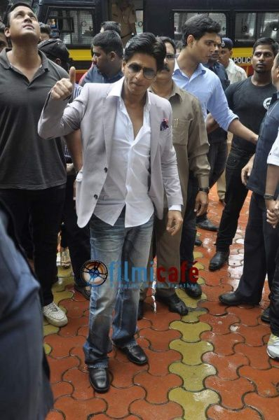 Shahrukh---Rohit-Shetty-at-the-game-launch-of--Chennai-Expr.jpg