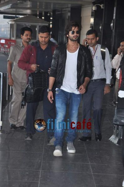 Shahid-Kapoor-and-Sonakshi-Sinha-Leaving-for-R-.--copie-2.jpg