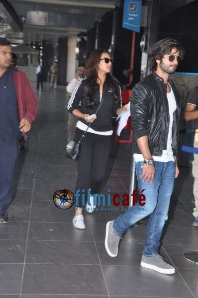 Shahid-Kapoor-and-Sonakshi-Sinha-Leaving-for-R-.-Rajkumar-.jpg