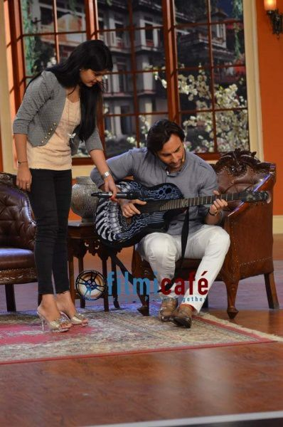 Saif-Ali-Khan-on-Comedy-Nights-with-Kapil-1.jpg