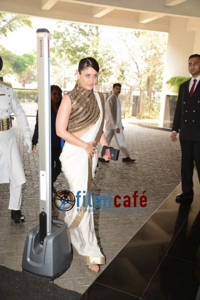 Kareena-Kapoor-at-lunch-in-honour-of-ex-First-lady-of-Franc.jpg