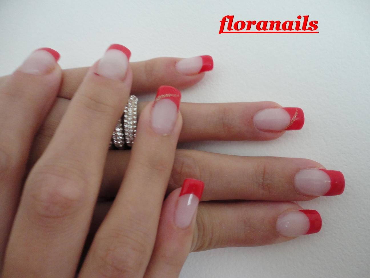 Ongles en gel french rouge - French manucure rouge ...