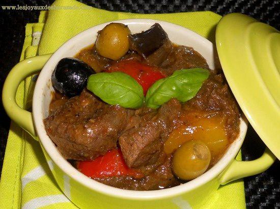 cuisine algerienne , boeuf provençal