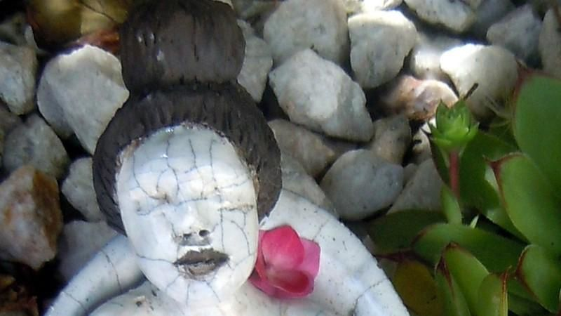 Sculpture Raku jeune fille japonaise